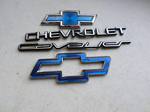 98 Chevrolet Cavalier Front Hood Tailgate Ornament Emblem 22591877 Logo Set of 4 Decals ()