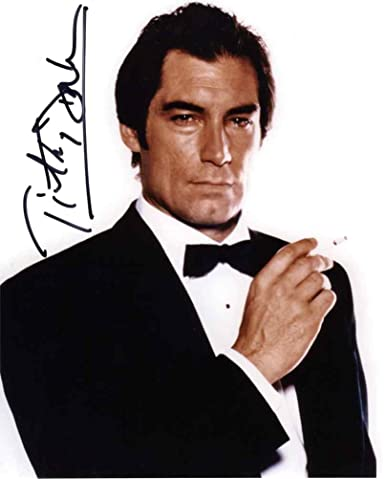 Ganz und zu Extrem Timothy Dalton James Bond Smoking Signed 8x10 Photo Authentic COA @BQ_59