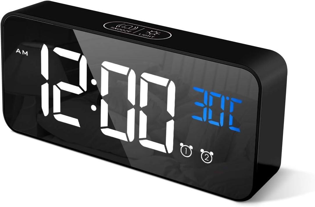 CHEREEKI Reloj Despertador Digital, Despertador Alarma Dual Digital Alarm Clock con Temperatura, 4 Brillo Ajustable Función Snooze, Puerto de Carga USB, 12/24 Horas, 13 música (Negro)
