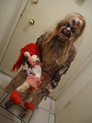 [ZOMBIE GIRL WITH DOLL 50