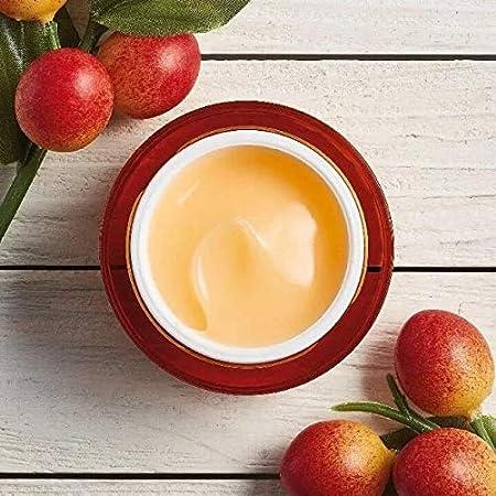 The Body Shop Crema hidratante tonificante e iluminadora con vitamina C.