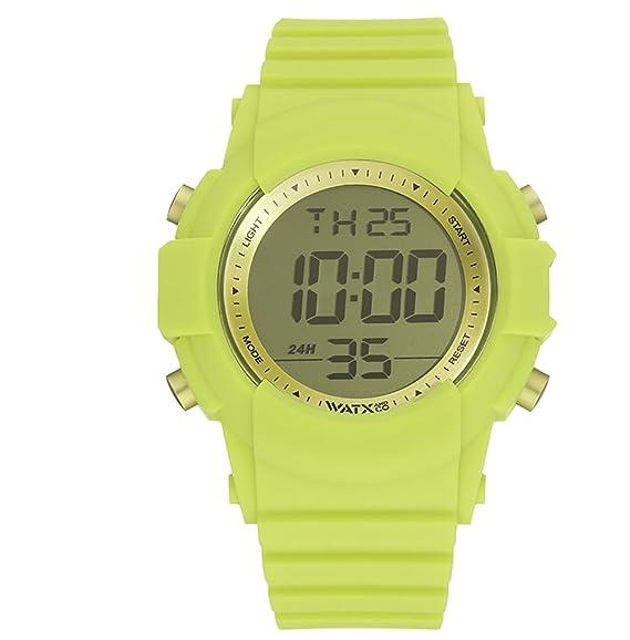 Reloj digital para hombres de WatxandCo. Con correa de silicona deportiva en verde. Caja con bisel plateado y cristal verde. Movimento digital .49mm.
