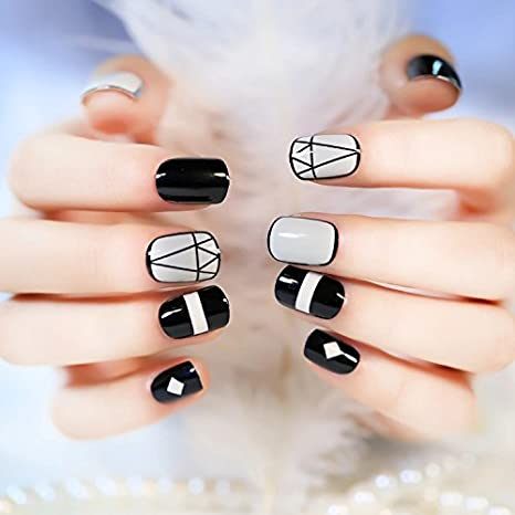 24 Pc Designer Beautiful Artificial Nails With Adhesive Glue Strip