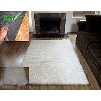 Amazon Com Flokati Faux Fur Rugs 5 X 7 Off White