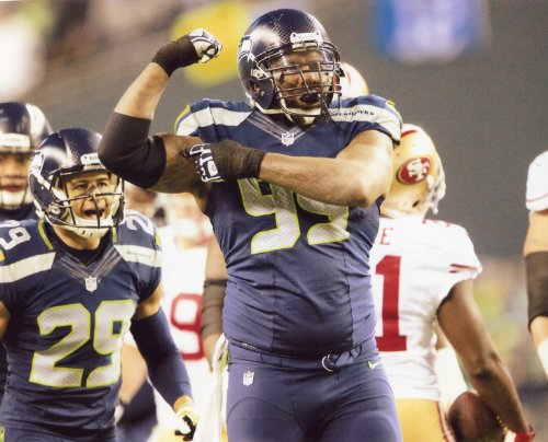 (TONY MCDANIEL SEATTLE SEAHAWKS 8X10 SPORTS ACTION PHOTO (E))