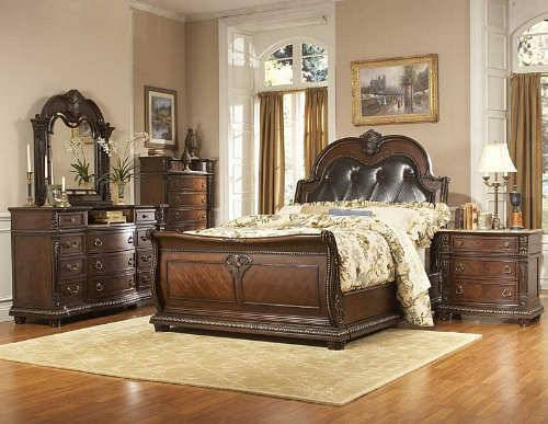 Homelegance Pottery (Palace 5 PC Queen Bedroom Set with Chest by Home Elegance in Brown)