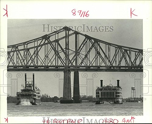 1988 Press Photo Steamboats Natchez and Mississippi Queen, French Quarter Fest (Fest French Quarter)