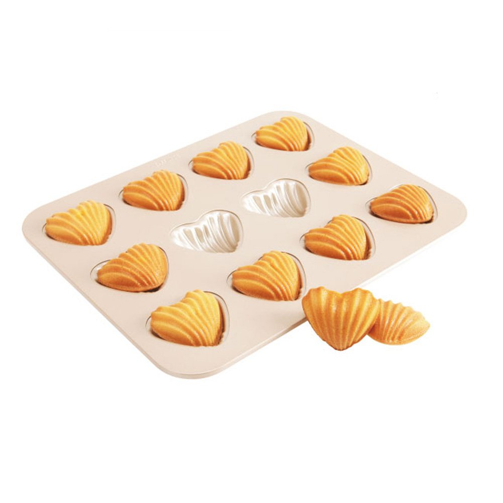 CAN_Deal 6 Cup Nonstick Madeleine Pan Gold