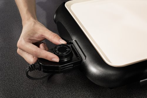 Oster CKSTGRFM18W-ECO DuraCeramic Griddle with Warming Tray, Black/Crème