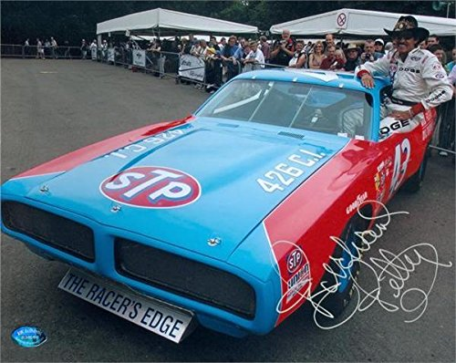 Richard Petty Signed Photo - 8x10 Racing Image #SC16 - Autographed NASCAR Photos