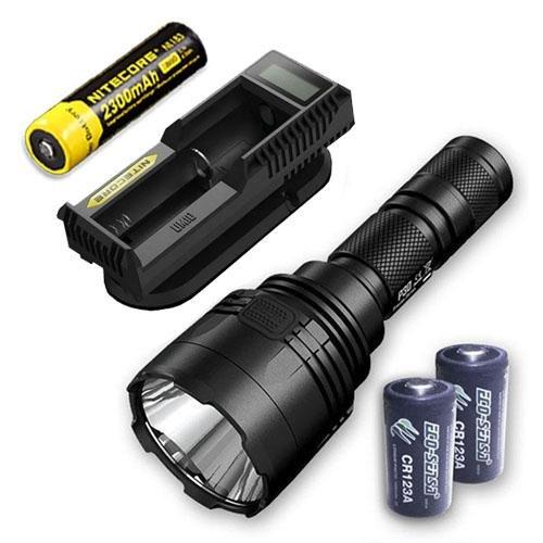 Bundle  Nitecore P30 1000Lm LED Flashlumière + UM10 Charger, 1x Nitecore NL183 & 2x Libre Eco-Sensa CR123A Batteries