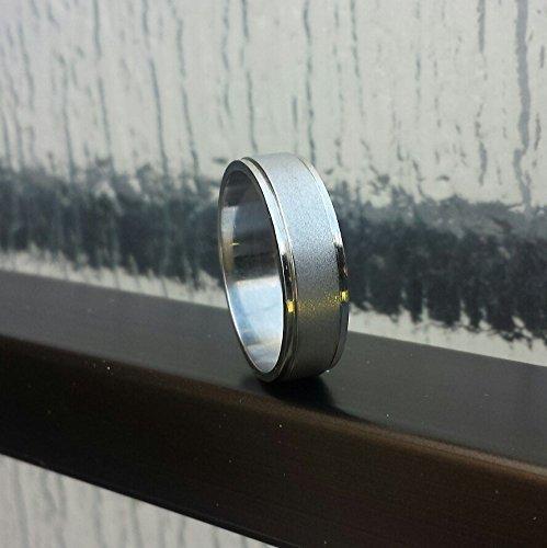 6mm Platinum Men's Wedding Band with Sandblasted Center and Polished Rails (Platinum Sandblasted)