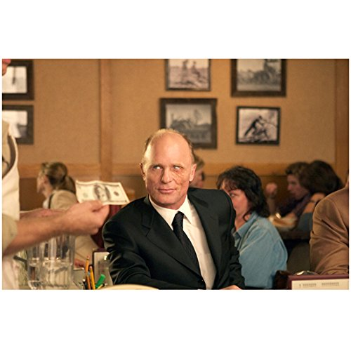 Smiles Lunch - A History of Violence 8x10 Photo Ed Harris Sitting at Lunch Counter Tiny Sardonic Smile Pose 2 kn