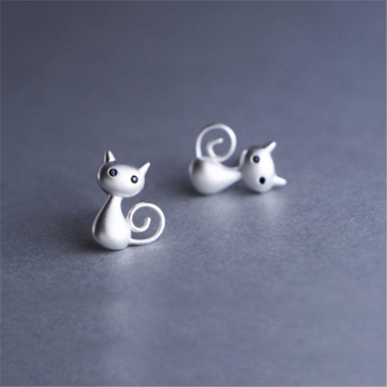 LALANG Simple Silver Cat Shape Inlaid Rhinestone Stud Earrings Gift for Girls