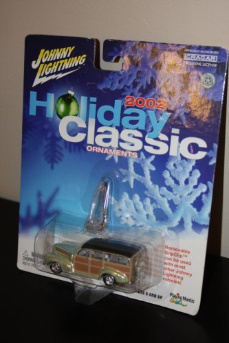 Johnny Lightning 2002 Holiday Classic Christmas Ornament 1941 Chevy Special Deluxe Wagon