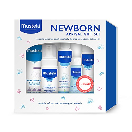 Mustela Newborn Arrival Gift Set, Baby Bathtime & Skin Care Essentials, 5 Items (Cap Mustela Cradle)