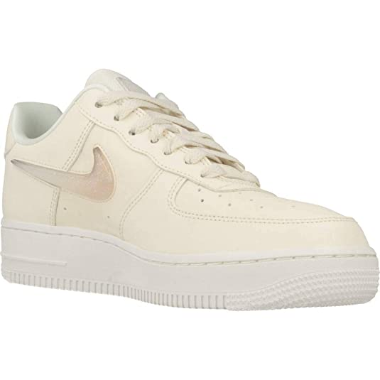 new concept cb639 fea1c Amazon.com   Nike Air Force 1 07 Se Premium Womens Womens Ah6827-100 Size  8.5   Shoes