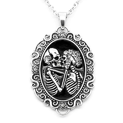 Controse Women's Silver-Toned Stainless Steel The Eternal Lovers Skull Cameo Necklace 17