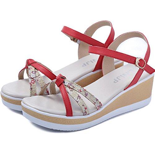 Con sandalias de deslizamiento en la parte inferior de la arena con una cómoda sandalias Rojo
