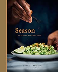 There are few books that offer home cooks a new way to cook and to think about flavor—and fewer that do it with the clarity and warmth of Nik Sharma's Season. Season features 100 of the most delicious and intriguing recipes you've ever tasted...