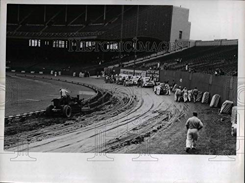 Historic Images - 1947 Vintage Press Photo Cleveland's Lakefront Stadium being prepped for midget ()