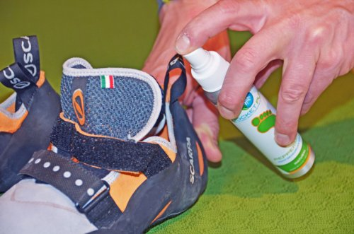 Natural Foot Deodorant Spray for Athletes. Fights Odor and Stink on Feet and in Shoes Caused By Bacteria. Perfect for Active People and Athletes. No Harsh Chemicals. Works on Feet and Deodorizes Shoes. Great Alternative to Messy Powders and Insoles. Will Freshen and Provide Comfort and Care to Your Feet! By Rocket Pure.