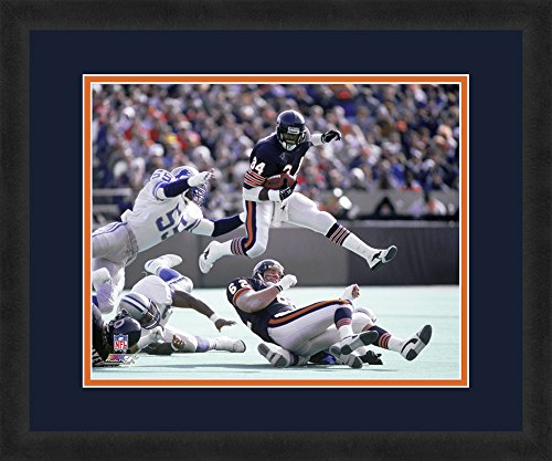 """NFL Chicago Bears Walter Peyton, Beautifully Framed and Double Matted, 18"""" x 22"""" Sports Photograph Photo File (Licensed) AAHA188TCM"""