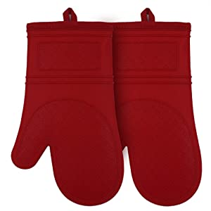 YUTAT Silicone Oven Mitts Heat Resistant Comfort Safety Kitchen Oven Gloves with Quilted Liner Professionally Protect Your Hand During Baking BBQ or Carry Hot Pot-1 Pair Red Silicone Mittens