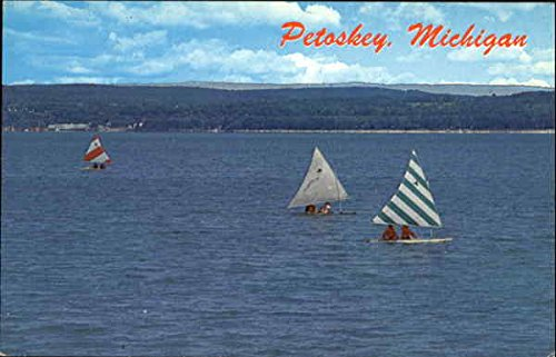Sail Boat Racing On Little Traverse Bay Petoskey, Michigan Original Vintage Postcard (Bay Traverse Little Michigan)
