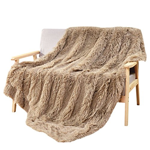 Decosy Super Soft Faux Fur Couch Blanket Beige 50