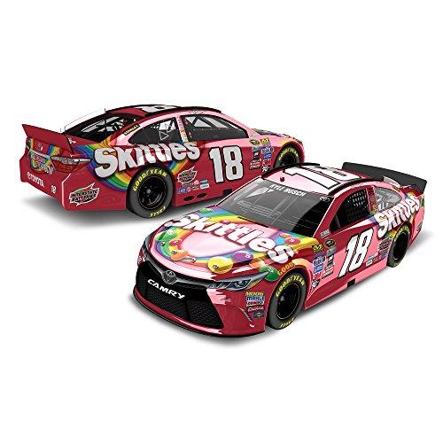 Action Racing Lionel Racing Kyle Busch # 18 Skittles 2016...