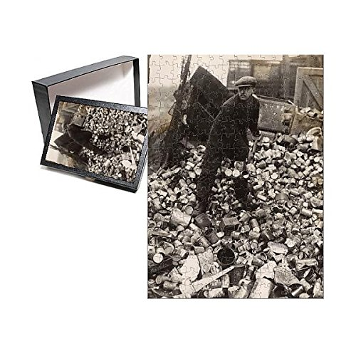 252 Piece Puzzle of WW2 - Recycling cans to aid war effort in East Ham, London (11583815) (S27 Cart)