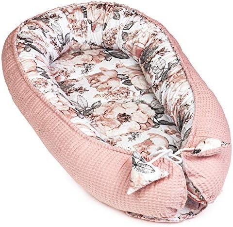 Babynest pasgeborenen nestje babycocon handgemaakt dubbelzijdig van katoen met OekoTex babynestje roze wafel piqué en rozenpatroon katoen 90 x 50 cm