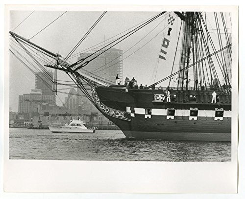 USS Constitution - Iconic U.S. Navy Ship - Vintage 8x10 Publication Photograph ()