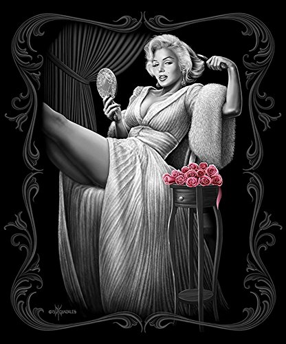 (DGA Marilyn Monroe Signature Collection Super Soft Queen Size Plush Blanket - Sitting Pretty)