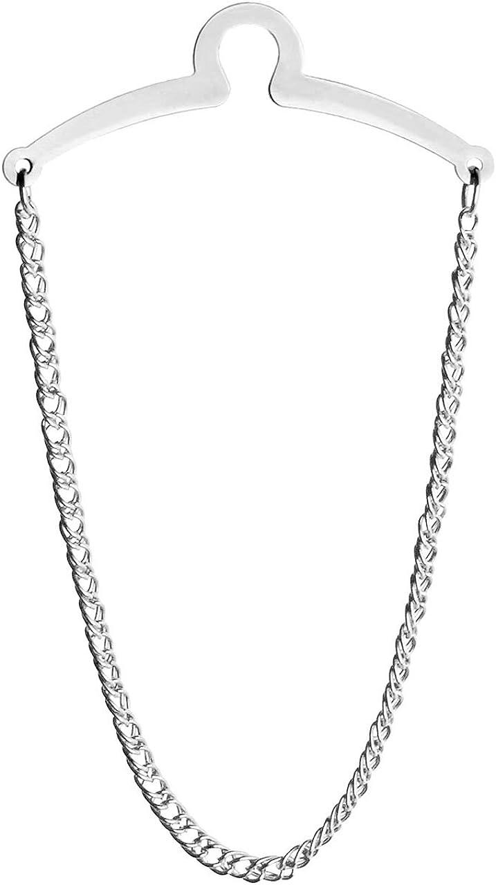 ラグジュアリー感漂うこれは「タイチェーン」と呼ばれるものです。写真上部の「くぼみ(?)」の部分をボタンに引っ掛け、チェーンの輪にネクタイを通すことでネクタイを固定します。