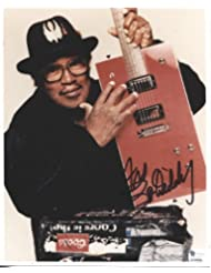 BO DIDDLEY (D) classic signed 8x10 photo / UACC RD # 212