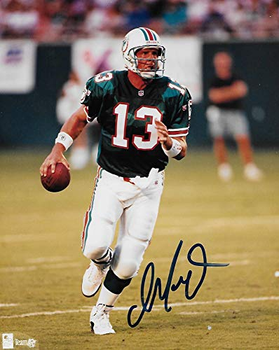 - Dan Marino Miami Dolphins signed autographed, 8x10 Photo, COA with the proof photo will be included.