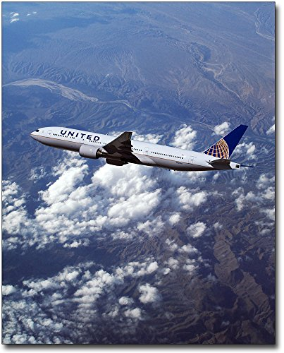 Boeing 777 United Airlines - The McMahan Photo Art Gallery & Archive United Airlines Boeing 777-200 in Flight 30x40 Silver Halide Photo Print