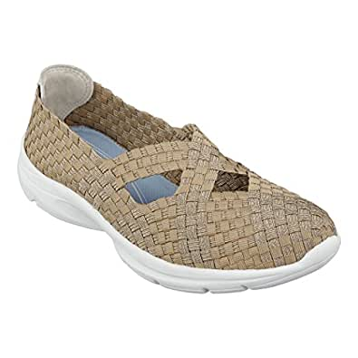 Amazon Com Easy Spirit Quest Womens Slip On Sneakers