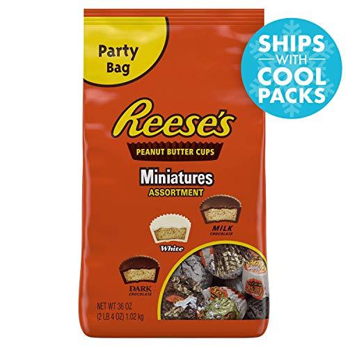 (REESE's Chocolate Candy Assortment, Peanut Butter Cups (White Chocolate, Dark Chocolate, Milk Chocolate), 36 Ounce Bag)