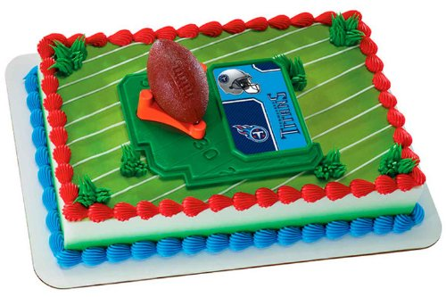 NFL Tennessee Titans Football with Tee Cake Decorating Kit ()