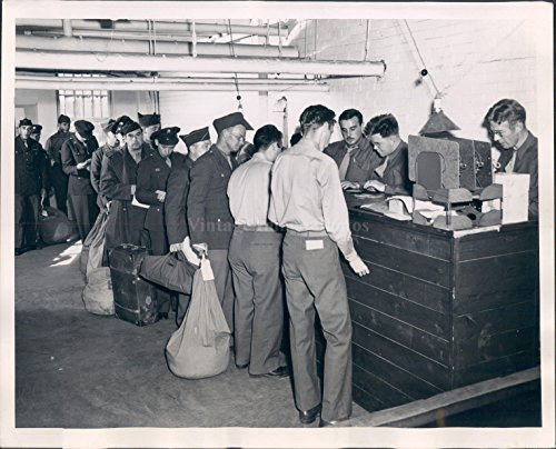 1944 Photo Soldiers War Coming Home Uniforms (Vintage Stamped Luggage)
