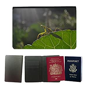 Couverture de passeport // M00112009 Mantis Naturaleza Animal Green Spring // Universal passport leather cover