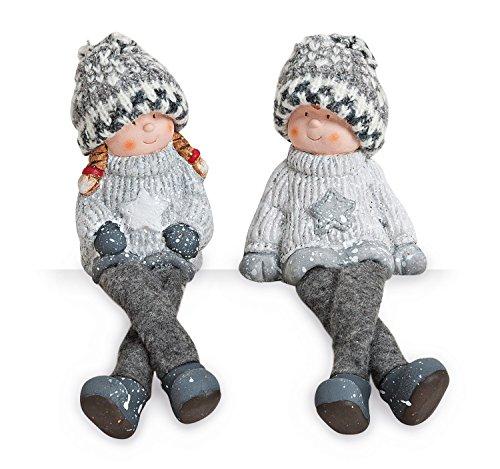 Kantenhocker Wichtel Winterkinder Mädchen Junge im Set je 20 cm lang, Ton mit Winmtermütze aus Textil grau weiß, Dekofigur Regalsitzer Schlenkerbein