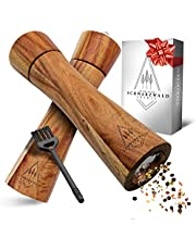 Schwarzwald Spirit ® Drewniane młynki do pieprzu – eleganckie wykonanie – młynek do soli i pieprzu / młynek do przypraw w zestawie z ceramicznym mechanizmem mielącym, pędzel do czyszczenia i książka z przepisami, ponadczasowy prezent