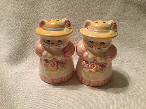 (Vintage Kitty Salt and Pepper Shakers)