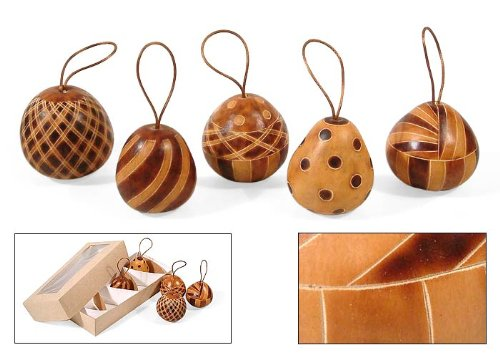 Amazon.com: 5 Christmas Tree Ornaments Hand Carved Gourd Holiday: Home &  Kitchen - Amazon.com: 5 Christmas Tree Ornaments Hand Carved Gourd Holiday