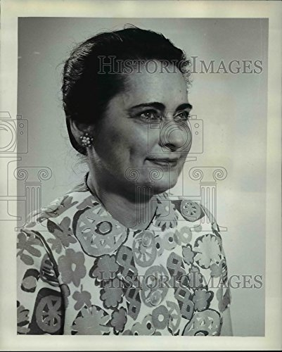 1962 Press Photo Ann Silverthorne Takes Over Dead Husbands Grocery - Silverthorne Stores