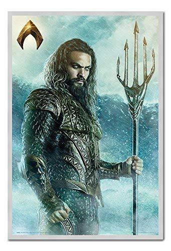 Ca. 38 X 26 Zoll Die Liga der Gerechten Aquaman Dreizack Plakat Kork Pinn Memoboard Silber Gerahmt 96.5 X 66 cm